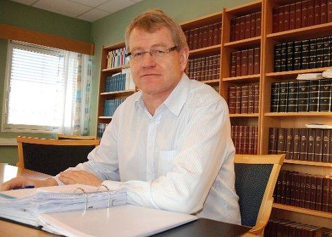 HAR REPRESENTERT NABOER I KJÆRNESVEIEN:  Advokat Tore Skar.