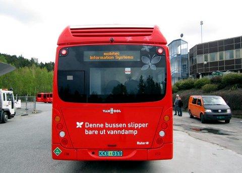 Marked: Foreløpig er det ikke tilstrekkelig med busser og biler til å gjøre det lønnsomt å selge hydrogen. Men utviklingen går i retning av at både kollektivtrafikk, og kommuner som Bærum, velger å satse på hydrogendrevne kjøretøy.foto: ruter