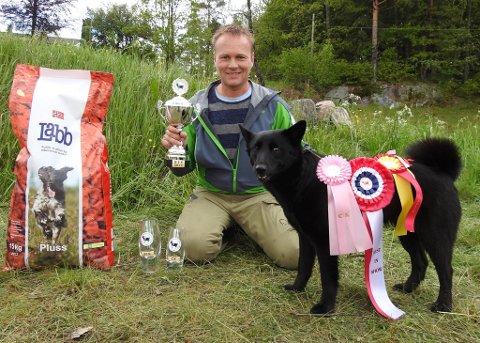 Turboline (Turbo) med Ingve Flikka som eier, vant alt som vinnes kunne under årets Sørlandsutstilling
