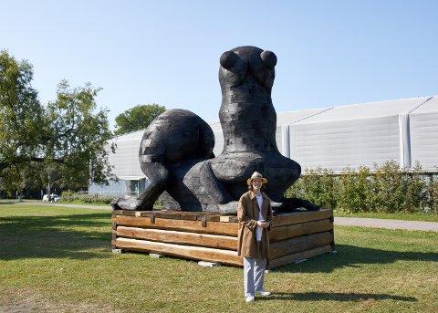 GROTESKT: Ser du hva skulpturen skal symbolisere?