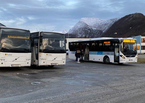 Endringer: Nordland fylkeskommune er ikke uvillig til å gjøre endringer i busstilbudet i Steigen. - Men all ruteproduksjonen vi har i Nordland henger sammen, og gir konsekvenser for andre, når man gjør om på en allerede etablert struktur, understreker fylkesråd Bent-Joacim Bentzen.