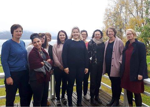 Synes: Arbeidet som KUN utfører blir lagt merke til. Her er ordfører Aase Refsnes i egenskap av fylkesråd for kultur, miljø og folkehelsepå et møte på KUN sammen med representanter for Bufdir og Barne-, likestillings- og inkluderingsdepartementet i 2018.