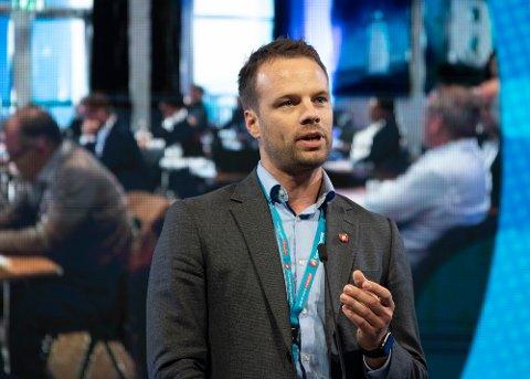 FORNØYD: Stortingsrepresentant og innvandringspolitisk talsperson i FrP, Jon Helgheim, mener dommen mot 23-åringen viser at trusler mot politikere ikke aksepteres.