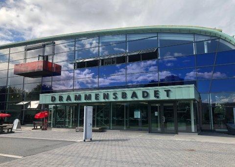 LYSERE TIDER: Etter samfunnets gjenåpning er det lysere tider i vente - også for Drammensbadet som nå ikke lenger trenger å forholde seg til maks 300 gjester samtidig.
