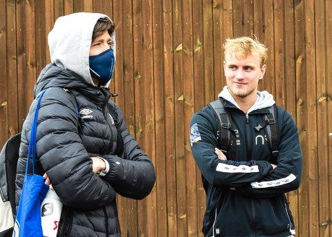 I FORSVAR: Sondre Solholm Johansen (t.v) og Nikolas Walstad etter treningskampen onsdag. MIF regjerte mot Sandefjord på Consto Arena.