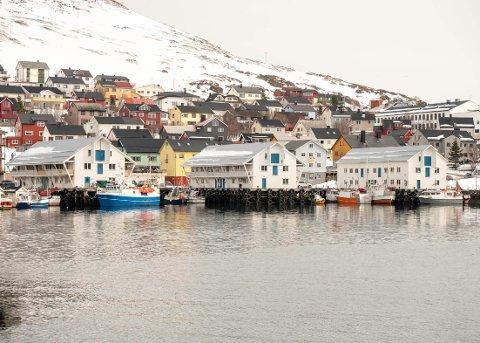 UNIKT: Fiskernes servicestasjon midt i Honningsvåg havn, er det eneste av sitt slag i Norge.