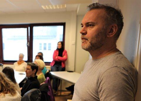 KOORDINERING: Felles koordinering av korona-tiltak er alt Kinn-ordførar Ola Teigen styrer med for tida. No søker han å nå dei som ikkje snakkar norsk.