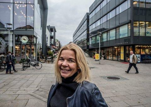 VIL SAMLE FOLK: Line Jeppesen i Fredrikstad Næringsforening har startet planleggingen av arbeidet med å bruke de to millionene fra Fredrikstad kommune for å få fart på sentrum. Nå venter hun bare på lov til å samle folk i byen.