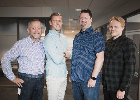 MEDARBEIDERE: Disse jobber med kundeservice og support hos Integrasjonspartner. Fra venstre: Trond Nilsen, Jesper Jansson Nøkleby, Kenneth Fineide og  Simon Pettersen.