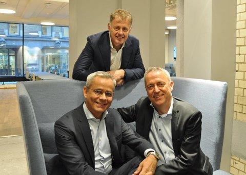 Nettavisen-redaktør Gunnar Stavrum øverst, administrerende direktør Espen Asheim i Egmont Publishing nederst til venstre og Konsernsjef Are Stokstad i Amedia til høyre. Foto: Amedia.