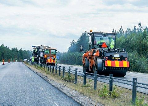 OMKJØRING: Flere steder i Nord-Sverige ledes trafikken unna veiarbeidsområdene i sommer.