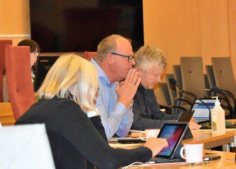 INNFØRER TILTAK: - Fra og med i dag kan stillinger kun besettes etter beslutning fra kommunalsjefene, opplyste kommunedirektør Ragnar Sundklakk på gårsdagens formanskapsmøte.