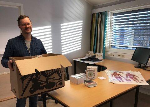 FLYTTER INN: – Jeg gleder meg til å begynne, sier Anders Godø Hesbøl, han er ny fastlege i Kongsvinger og starter fra 2. januar neste år. Han flytter inn i lokalene til kollega og fastlege Magdalena D. Herud.