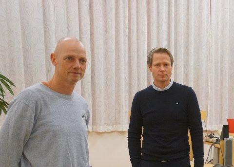 KLAR OPPFORDRING: Kommuneoverlege Bjarne Oure og ordfører Harald Tyrdal følger smittesituasjonen rundt kommunen tett. (arkivfoto)