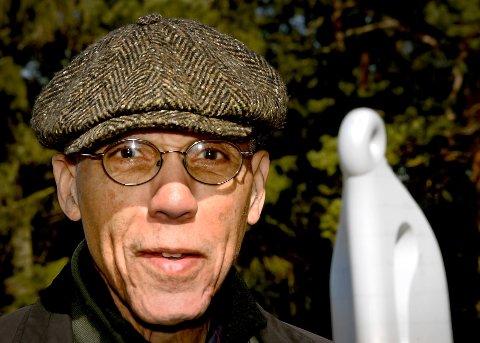 VALGTE iDDEFJORDSGRANITT: Den anerkjente amerikanske kunstneren Martin Puryears ønsket at skulpturen som skal stå foran Nye Deichmanske hovedbibliotek i Bjørvika i Oslo, skulle lages av Iddefjordsgranitt. Slik ble det.