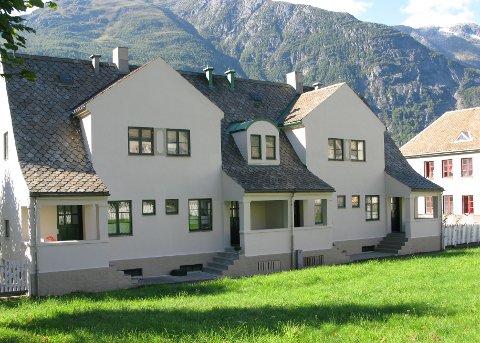 På Tveitahaugen i Tyssedal vart det nyleg gjennomført eigarskifte for éi av leilegheitene. Seljar Astrid Nondal har omtanke for området og håpar kommunen følgjer opp eit utbetringsprogram frå 90-talet.