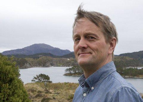 Bjørn Asle Teige er mest kjent som mangeårig konserntillitsvalgt i Statoil/Equionor. Nå blir han snart synlig som agent i en ny NRK-serie.