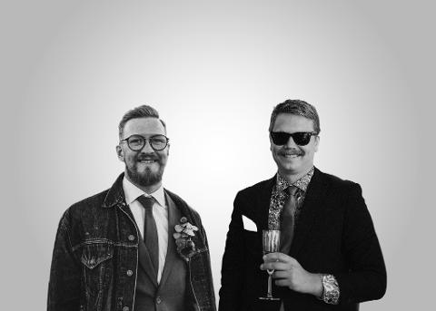 PLANLA I TO ÅR: Kompisene Daniel Karlsen og Øyvind Rødeseike Losnegard fant ikke klokka de ville ha, og bestemte seg for å lage sin egen. Nå lanserer de modell nr to.