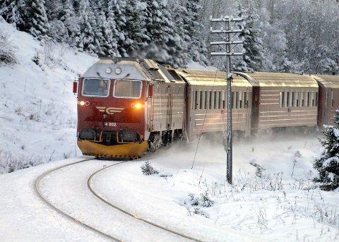 BEDRE REGULARITET: Nye lok kan føre til bedre regularitet om mindre buss fro tog på Nordlandsbanen