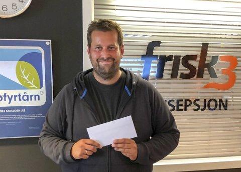 FORNØYD: Jørgen Simensen er trimmer nummer 3000 i Sommertrimmen, og han hentet premien sin onsdag ettermiddag.