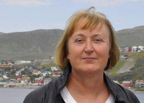 FORTVILET: Ordfører Eva D. Husby i Hasvik er fortvilet over fergesituasjonen.