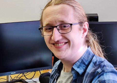 FORNØYD: Sigurd Zahl Stapnes er en av fire i Frog Quota som er fornøyd med muligheten til å jobbe jobbe med videospill profesjonellt.