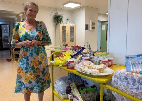 KVELDSOL: Agnes har jobbet på sykehjemmet i Melvika i 10 år.