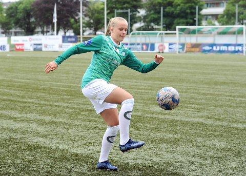 DEBUTERER FRA START: Ida Hetland Pedersen har imponert på trening i høst, og belønnes med en plass i startelleveren mot Sandviken.