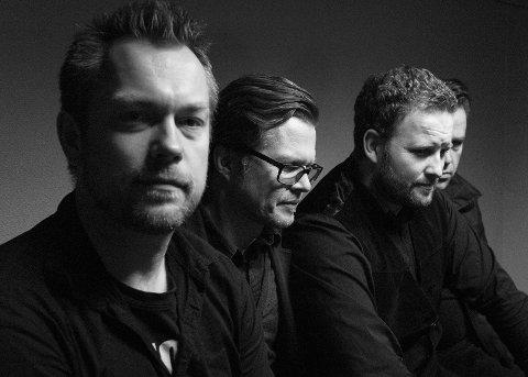 BANDET: Foruten Arne Harald Foss, består bandet av Terje Espenes på vokal og gitar, gitarist Morten Huseby og bassist Odd Inge Rand.