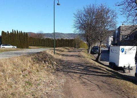 Får en ansiktsløftning: Gang- og sykkelveien vil etterhvert også få asfaltdekke.