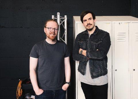 GØY: Sveinung Hatløy Sætre (t.v.) og Torgeir Ferdinand Nygård sier at målet med eget firma hele tiden har vært å drive med noe de synes er gøy.