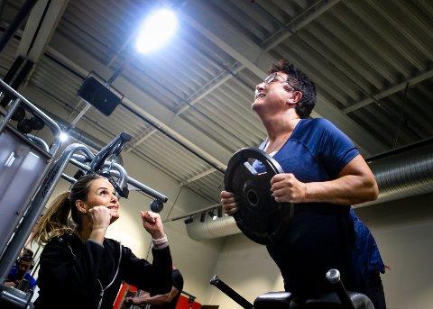 – DETTE KLARER DU! Anne Lise Nyheim er personlig trener på Toppform Fitness, og her heier hun fram Lillian Nymoen.