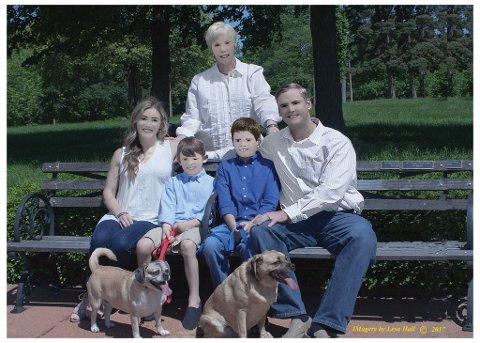 FIKK SJOKK: Resultatet etter familiefotograferingen ble ikke helt som den amerikanske familien hadde sett for seg.