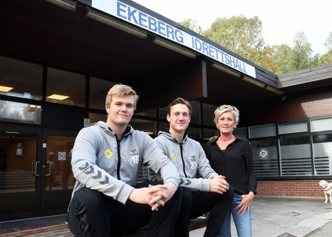 KLARE FOR HASLUM: Nicolai Wiik, Markus Fartum og daglig leder Nina Kristiansen ser frem til å spille i Ekeberghallen igjen.