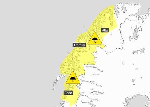MYE REGN: Regnvær og plussgrader vil skape utfordringer for hele landsdelen. I Tromsø vil regnværet for alvor sette inn onsdag morgen. Foto: Yr