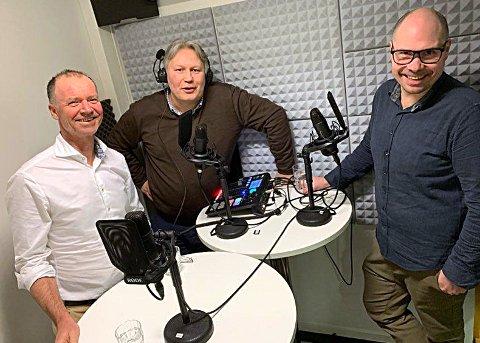 NORD I SØR: Roger Ingebrigtsen, Skjalg Fjellheim og Anders Opdahl diskuterer hvordan Nord-Norge skal få høyere folketall i siste utgave av podkasten Søkelys.