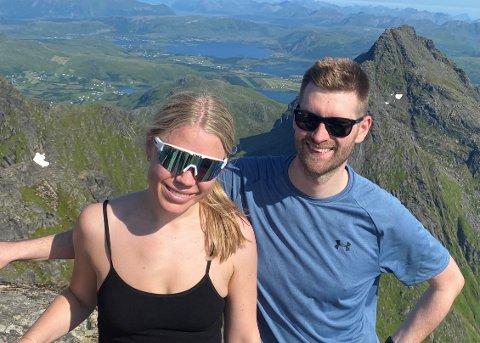 ENDELIG GIFTEMÅL: June-Maria de Badts og Eivind Kristoffersen er blant de mange tromsøværingene som skal gifte seg i ukene og månedene som kommer. Neste sommer er kapasiteten i sentrumskirkene snart sprengt.