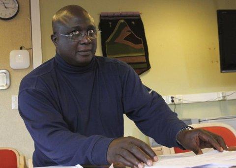 GIR SEG: Rådmannjobben la ifølge Ibrahima Mboob beslag på mye av fritiden han burde ha tilbrakt med barna. (Foto: Stian Hansen)