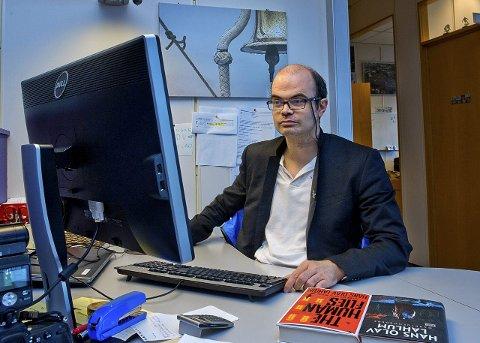 POLITIKER: Hans Olav Lahlum er for de fleste mest kjent som forfatter og sjakk-ekspert, men han er også leder i Gjøvik SV og stilte til valg for partiet.Arkivbilde