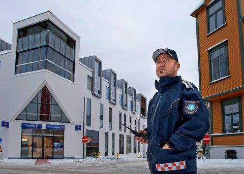 TENKER PÅ FLYTTING: – Det går nok mange år før det virkelig kommer en ny brannstasjon, men det må settes av areal til den i langtidsplanen, sier Gjøvik-brannsjef Jan Tore Karlsen. Arkivbilde
