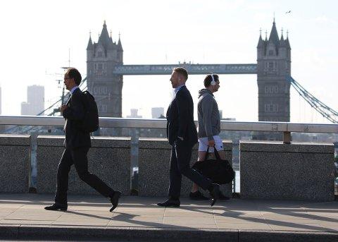 LONDON BRIDGE: Akkurat som storbylivet går videre kort tid etter terrorhendelser, tar det ikke lang tid før turbestillingene til byer utsatt for terror er tilbake på normalen. Her fra London Bridge tre dager etter at sju mennesker ble drept i terror.
