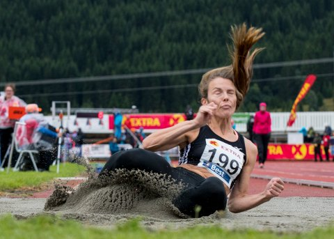 Oda Utsi Onstad vant lengdekonkurransen i NM i friidrett i Byrkjelo. Foto: Vidar Ruud, NTB
