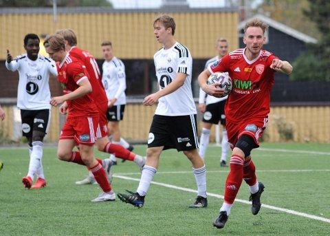 SUPERSIGNERING: Daniel Kraska viste igjen hvilken klassespiller FK Toten har hentet fra Polen.