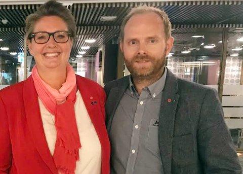 Nordre Follo Arbeiderparti synes det er bra med tiltakene til regjeringen, men  gruppeleder Oddbjørn Lager Nesje ber om ytterligere penger.. Her sammen med ordfører Hanne Opdan (Ap). Arkivfoto.