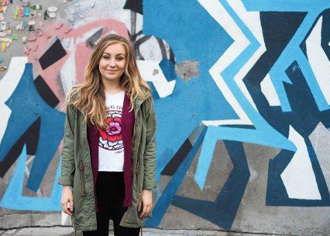32.000 FØLGERE: Charlotte Døvle er en av mange lokale nominerte i konkurransen om å bli Norges beste på Instagram. Hun har selv 32.000 følgere på sin profil.