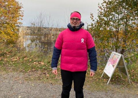 KLAR FOR TUR: Dennis Olsen har lagt ut på nok en døgnlang museumsrunde – for kreftsaken.