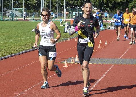 Sprek: Hilde Johansen (t.v.) fra Heradsbygda vant dameklassen i Røyse Ultra.