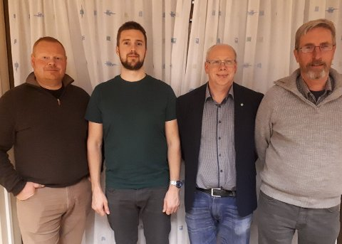 TOPPKANDIDATENE: Disse fire topper valglista for Jevnaker Senterparti. Fra venstre står Sondre Imsgard, Hans Jørgen Skulstad, Lars Erik Ruud og Harald Antonsen.