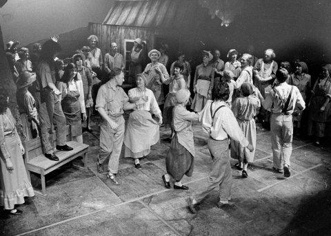 Røyken Vokalensemble framfører Treemonisha av Scott Joplin , som var førsteoppføring i Europa i 1985.