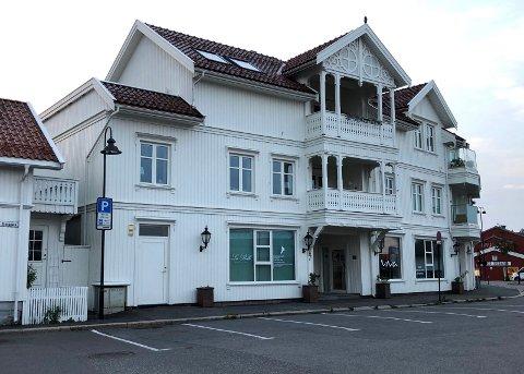 STRIDENS EPLE: Denne bygningen i Bjerggata 5-7 har det vært bråk om siden prosessen startet i 2012.